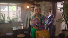 Green Trousers of Agatha Raisin (Ashley Jensen) in Agatha Raisin Printed Bags, Printed Shirts, Ashley Jensen, Top Netflix Series, Agatha Raisin, Floral Bomber Jacket, Frill Tops, Plaid Blazer, Feather Print