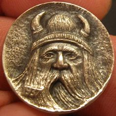 GORDON RAISTRICK HOBO NICKEL - VIKING - 1937 BUFFALO NICKEL Vikings, Hobo Nickel, Coin Art, Art Forms, Sculpture Art, Cool Things To Buy, Coins, Miniatures, Carving