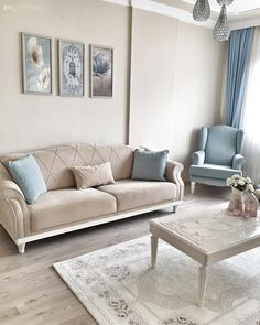 Sakin renkler, sade ve zarif stil. – 1 With calm colors, simple and elegant style. New frames came from Elif's delightful house. Let's be a guest in this house where blue is completed with white, both cheerful and serene. Living Room Sofa Design, Living Room Decor Cozy, Home Room Design, Home Living Room, Living Room Designs, Bedroom Decor, Formal Living Rooms, Upcycled Home Decor, Diy Home Decor