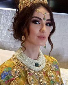 Mariée Marocaine, Bijoux Marocains, Caftan 2018, Bijoux Mariage, Coiffure  Mariée, Caftan