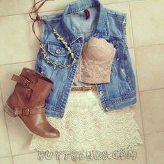 Country Dresses & Western Clothing return this summer and it's not hard to see why. Get ready for summer with our top 30 cowgirl outfits & cowgirl boots! Blusas Country, Teen Fashion, Fashion Outfits, Womens Fashion, Fasion, Teenager Fashion, Fall Fashion, Fashion News, Boho Fashion