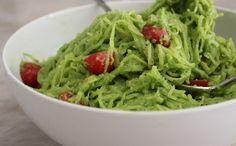 Spaghetti Squash w/ Creamy Spinach Sauce (Dairy Free) Healthy Study Snacks, Healthy Cooking, Healthy Eats, Vegan Food, Vegan Vegetarian, Vegan Recipes, Paleo, Avacado Sauce, Creamy Spinach Sauce