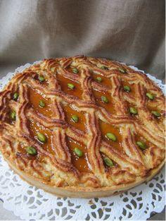 La cuisine d'ici et d'ISCA: Alcazar, magnifique mélange de financier aux amandes et de coulis d'abricot un peu plus acide .