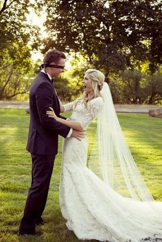 If you want to talk or pray together before the ceremony, just blindfold him! :) Love this idea! (I LOVE HER DRESS).