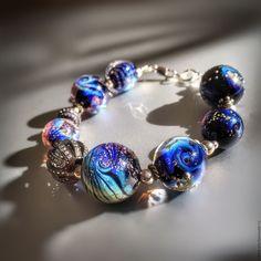 Купить Космос Начинается ... Браслет. - голубой, браслет, небо, планеты, красота, подарок, лемпворк, стекло