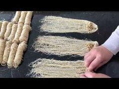 How to Make the Famous Erzurum Kadayıf Stuffed bera🏻bera tatlidunyasi - food Arabic Dessert, Arabic Sweets, Arabic Food, Ramadan Sweets, Ramadan Recipes, Beef Pies, Mince Pies, Red Wine Gravy, Green Curry Chicken