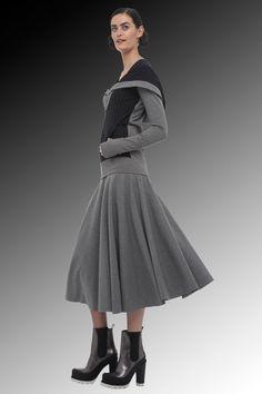 outfit score: 4    Norma Kamali