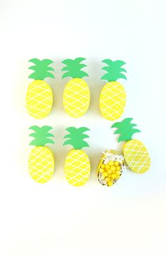 DIY Pineapple Treat Boxes Tutorial with FREE Printable