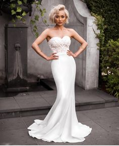 Our favorite girl @micahgianneli brings even more #bridal inspiration in this chic number. #fierce #weddingslayer #fashionblogger #style #blogger #weddinggown