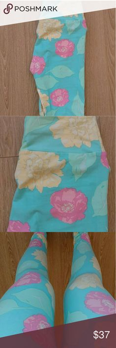 🆕 Lularoe Leggings OS Lularoe leggings OS. Made in China. Never worn/only taken out of bag for clearer pictures. LuLaRoe Other