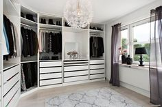 Sovrum 1 / Walk-in-closet - Katherine Oliver - . Sovrum 1 / Walk-in-closet - Katherine Oliver - spring! The most beautiful living and decoration ideas . Walk In Closet Ikea, Closet Walk-in, Walk In Closet Design, Walk In Wardrobe, Closet Designs, Closet Bedroom, Closet Ideas, Ikea Bedroom, Master Bedroom
