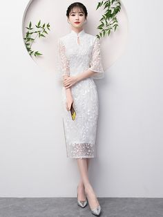 White Lace Midi Qipao / Cheongsam Party Dress with Flutter Sleeve Old Dresses, Cute Dresses, Vintage Dresses, Beautiful Dresses, Cheongsam Wedding, Cheongsam Dress, Geisha, Dress Outfits, Fashion Dresses