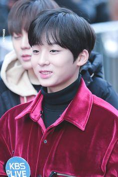jiseong Ji Sung, Dear God, Cute Boys, Love Him, Korea, Cute Teenage Boys, Korean, Cute Guys, Cute Kids