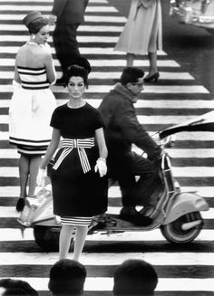 Love absolutely love...  Stripes 50's style