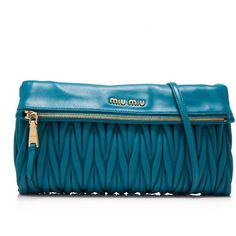 Pre-owned Miu Miu Matelasse Clutch ($390) ❤ liked on Polyvore featuring bags, handbags, clutches, blue, blue handbags, shoulder strap purses, leather handbags, miu miu purse and leather purses