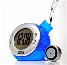 電池不要・水を入れるだけで動く時計「The Bedol Water Clock」 - GIGAZINE