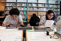 22. Editores y editoras trabajando en la II Editatón de Arte y Feminismo en Lima, 2105.JPG