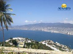 #infoacapulco La ciclopista de Acapulco. INFO ACAPULCO. Acapulco como la gran ciudad que es, también tiene una ciclopista, para que tanto los turistas como los habitantes se puedan trasladar a diferentes puntos de una manera más rápida y ecológica. Ésta se encuentra en la zona diamante, que va de Barra Vieja a Bulevar de las Naciones. Visita la página oficial de Fidetur Acapulco, para obtener más información.