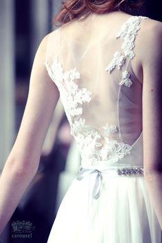 Petite robe de mariage / / Naomi par CarouselFashion sur Etsy