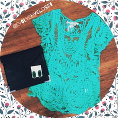 Happy Friday, ladies! Stop by Evolve today to check out this adorable mint lace top! Perfect to put over a bikini for the beach or a day out with the girls, this blouse will not disappoint! Call 2105495001 to reserve your size, or comment below! #evolvemycloset #evolveboutique #ootd #mint #lace