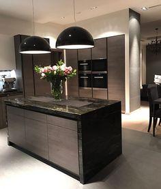 The Best Kitchen Design – Best Puzzles, Games, Ideas & Home Decor Baskets, Home Decor Kitchen, Kitchen Interior, Updated Kitchen, Open Plan Kitchen, Luxury Kitchens, Home Kitchens, Taupe Kitchen, Kitchen Models