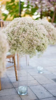 Wedding flowers information: Have you been looking for the proper flowers for your wedding day? Let us help you pick the right wedding flowers for you! We've a totally free guide that is going to help you make a decision fast and easy. Mod Wedding, Wedding Table, Wedding Reception, Dream Wedding, Rustic Wedding, Reception Ideas, Elegant Wedding, Wedding Flower Arrangements, Wedding Flowers