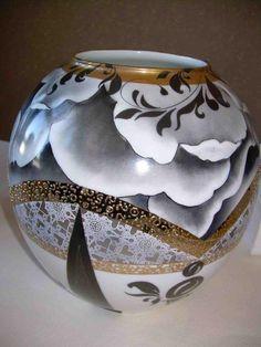 Nancy Bergman Vase 2.jpg (576×768)