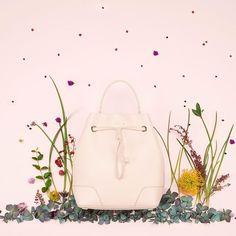 The most glamorous season: have a happy Fall!  #furlafeeling #fashion #bag