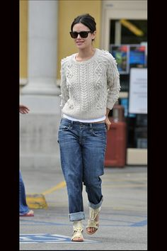 Rachel Bilson is cool and casual with her boyfriend jeans
