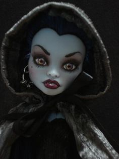 ~ Coraline ~ OOAK Monster High Abby Bominable Repaint ~ by Bordello ~ Abby Bominable ideas: white fur cloak Custom Monster High Dolls, Monster High Repaint, Custom Dolls, Monster Dolls, Ooak Dolls, Art Dolls, Ever After Dolls, Monster House, Gothic Dolls