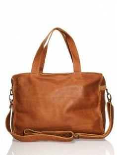 32276f713d6 40 beste afbeeldingen van Leren handtassen en clutches. - Clutch ...