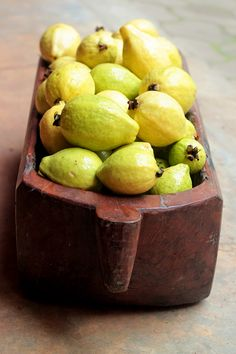I like this guavas, but they get a lot of...worms. But still tasty and very sweet!