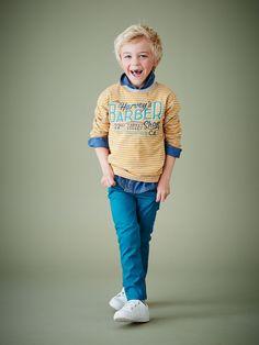 Silhouette Chemise garçon effet denim spécial maternelle + T-shirt garçon rayé + Pantalon slim morphologiK garçon tour de hanches FIN + Baskets basses scratchées, garçon -