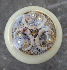 Ivory Pearl Antique Brooch Shift Knob