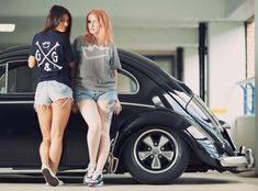 Post with 148 votes and 4797 views. Tagged with cars, curves are sexy; Van Vw, Kdf Wagen, Bus Girl, Vw Vintage, Vw Cars, Buggy, N Girls, Vw T1, Vw Beetles