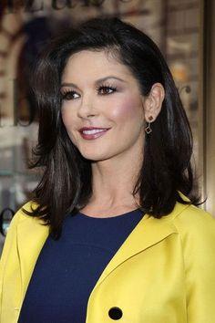 Catherine Zeta-Jones' Mid-Length Cut - Haute Hairstyles for Women Over 40 - Photos