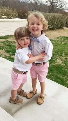 Easter Small Boys' Outfits Preppy little boy outfits with seersucker bowties Preppy Little Boys, Preppy Baby Boy, Preppy Kids, Little Boy Outfits, Little Boy Style, Preppy Family, Boys Style, Toddler Boy Fashion, Little Boy Fashion