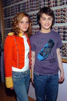 Daniel Radcliffe and Emma Watson at an event for Harry Potter and the Prisoner of Azkaban First Harry Potter, Harry Potter Pictures, Harry Potter World, Harry Potter Fandom, Harry Potter Severus Snape, Harry And Hermione, Hermione Granger, Daniel Radcliffe Emma Watson, Daniel Radcliffe Harry Potter