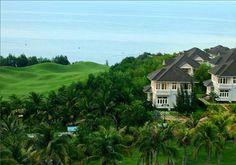 Sea Links Beach Hotel là khách sạn 5 sao tiêu chuẩn quốc tế nằm trong quần thể du lịch nghỉ dưỡng Sea Links City - một khu phức hợp tọa lạc tại vịnh Mũi Né sát thành phố Phan Thiết, bao gồm khu biệt thự sang trọng, khu căn hộ nghỉ dưỡng cao cấp, sân golf 18 lỗ và khách sạn 5 sao tiêu chuẩn quốc tế. Đây không những là khách sạn lớn nhất với 188 phòng mà còn là khách sạn duy nhất có tầm nhìn bao quát toàn bộ bờ biển Mũi Né. Click vào hình để đặt phòng ngay!
