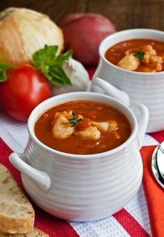 Italian Fish Chowder - Chunks of tender fish in a zesty tomato broth - so good! A taste of coastal New England in a bowl! Chowder Recipes, Soup Recipes, Cooking Recipes, Drink Recipes, Seafood Pasta, Seafood Dinner, Dinner Menu, Fish Recipes, Seafood Recipes