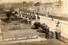 NCR, 1940s Old Pictures, Old Photos, Vintage Photos, Photo Engraving, Emerald Isle, Dublin Ireland, 1940s, Paris Skyline, Past