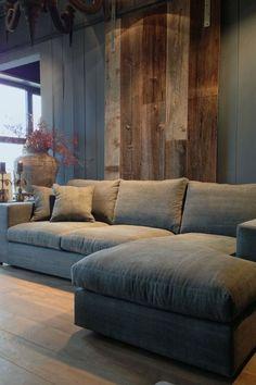 Cortinas, sofás e tapetes necessitam de limpeza duas vezes por ano. Clique na imagem e saiba mais!
