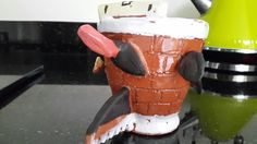 Front view kettle ready in background