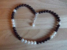 Garnet and pearl necklace £18.00