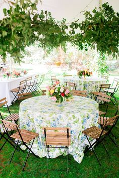 Photography : Lauren Rosenau Photography Read More on SMP: http://www.stylemepretty.com/north-carolina-weddings/charlotte/2016/09/30/colorful-florist-turned-bride-wedding/