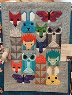 2017 Folsom Quilt and Fiber Guild ShowSmall Quilts Wearables Other Quilt Skipper Jenny K Lyon Quilting Lectures Workshops Tutorials Quilt Baby, Fox Quilt, Quilting Projects, Quilting Designs, Small Quilt Projects, Elizabeth Hartman Quilts, Quilt Modernen, Animal Quilts, Scrappy Quilts