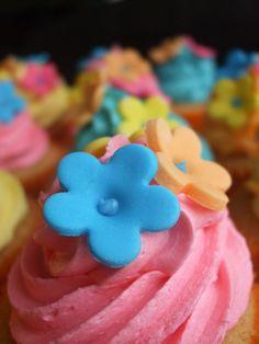 hawaiian cupcake