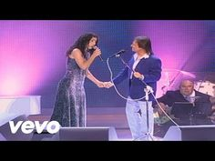 Roberto Carlos - And I Love Her (Primera Fila - En Vivo)[Official Video] - YouTube
