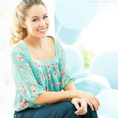 Lauren Conrad is so pretty! She can make anything look good!