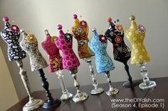 dress form mannequin pin cushions- now I need my sewing machine fixed! Fabric Crafts, Sewing Crafts, Sewing Projects, Diy Crafts, Cushions To Make, Pin Cushions, Robe Diy, Pincushion Tutorial, Coin Couture